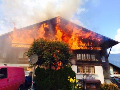 Innert kürzester Zeit stand die ganze Fassade in Flammen