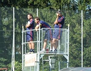 P1350295_35_res_Les coaches supervisent